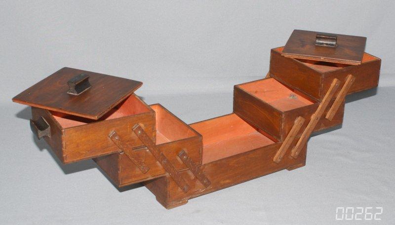 f cher n hkasten ausziehbares n hk stchen aus holz 30er ohne henkel alt antik ebay. Black Bedroom Furniture Sets. Home Design Ideas