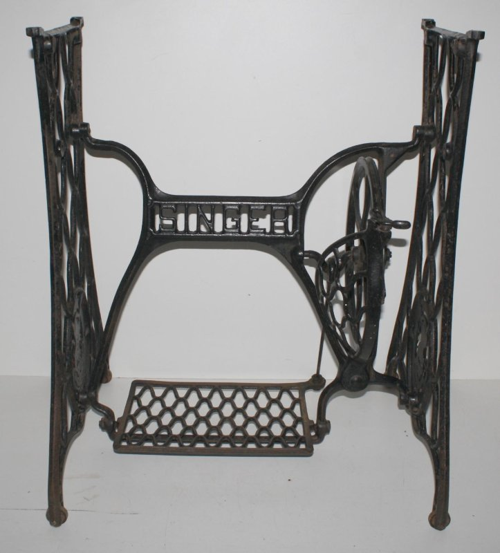 singer n hmaschinengestell eisen tisch jugendstil beistelltisch gartentisch alt ebay. Black Bedroom Furniture Sets. Home Design Ideas