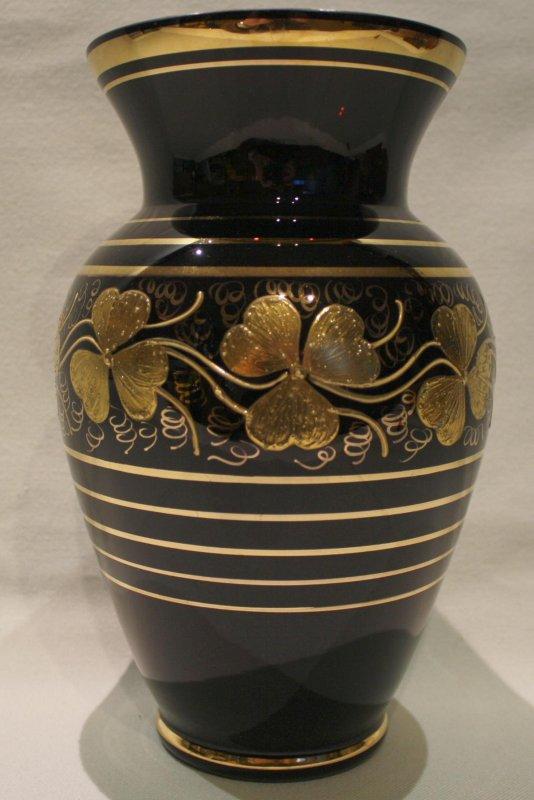 gro e tischvase blumenvase vase schwarz mit gold verm hyalithglas schwarzglas ebay. Black Bedroom Furniture Sets. Home Design Ideas