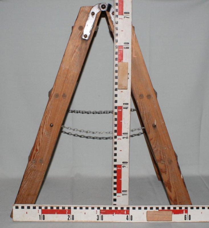 kleine alte holzleiter leiter 3 stufen 74 cm stabil shabby chic deko als regal. Black Bedroom Furniture Sets. Home Design Ideas